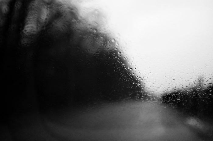 Gouttes d'eau sur une vitre