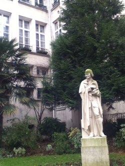 Statue Voltaire