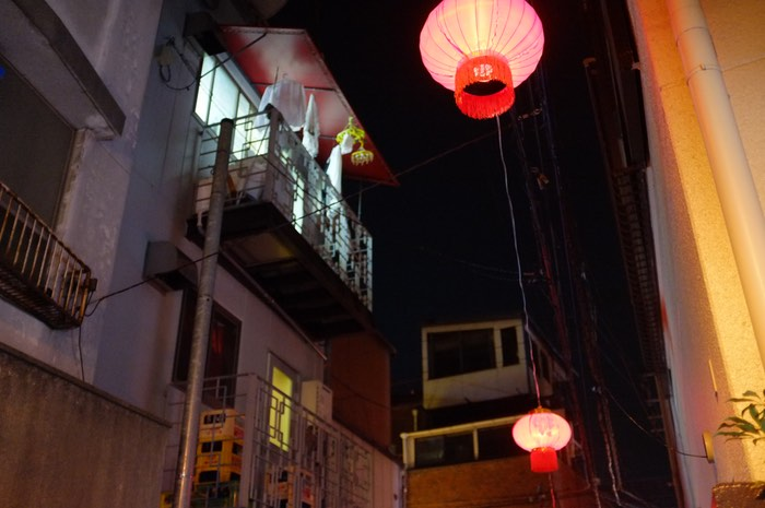Balcon et loupiote