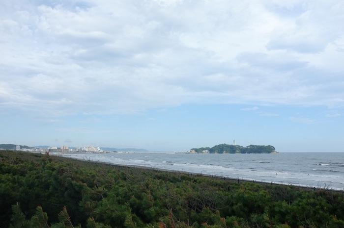 île sur l'horizon