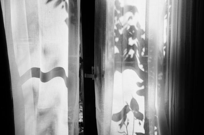 Ombres sur les rideaux