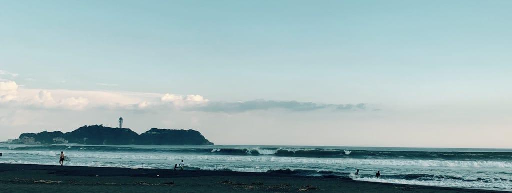 Vagues et Enoshima