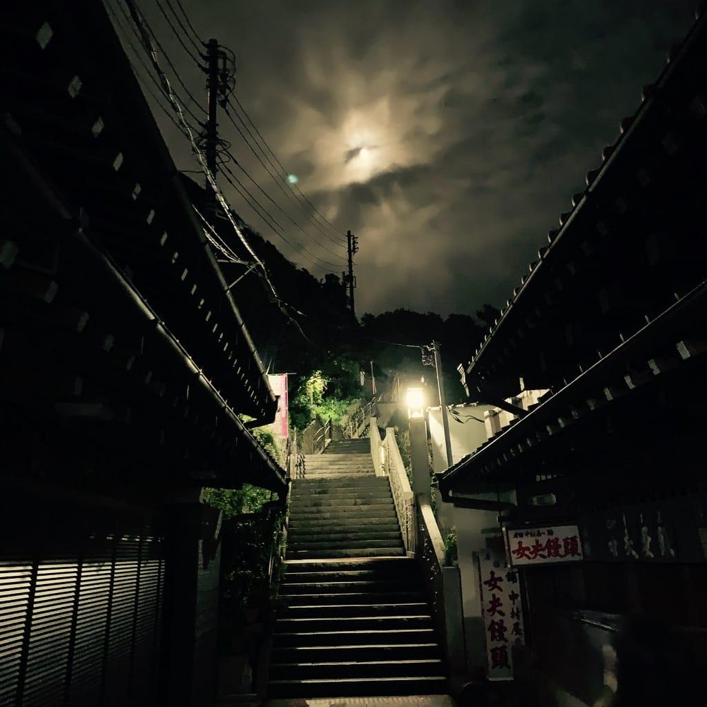 Ruelle la nuit