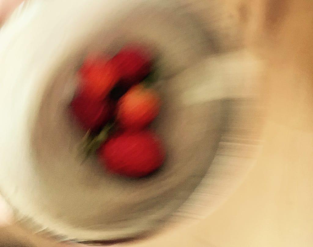 Un bol de fraises.