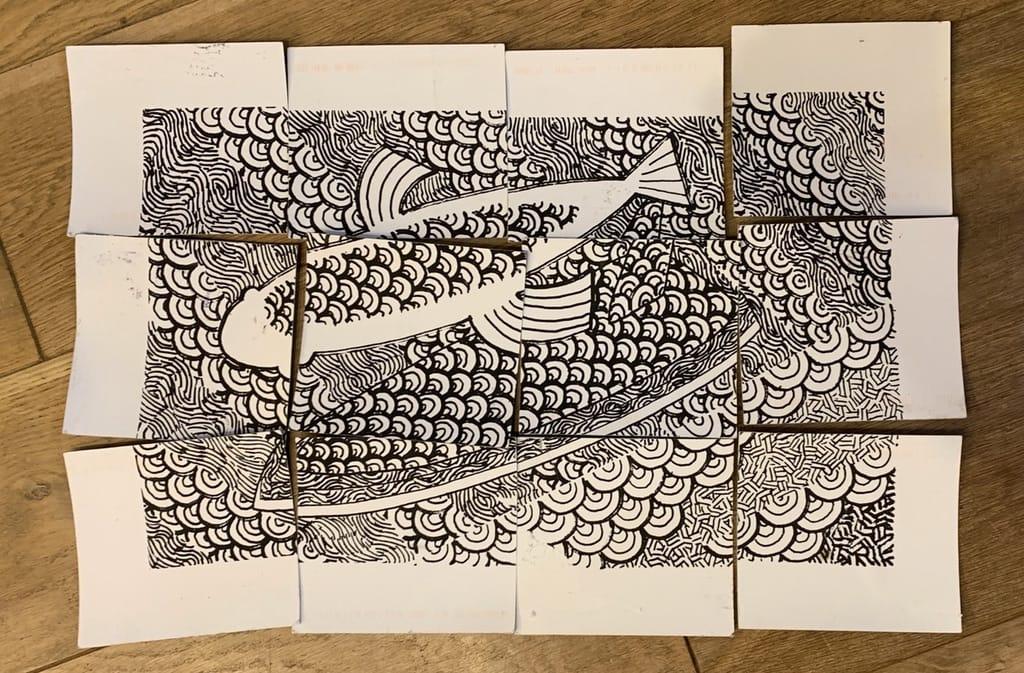 Poissons avec motifs en forme de puzzle.